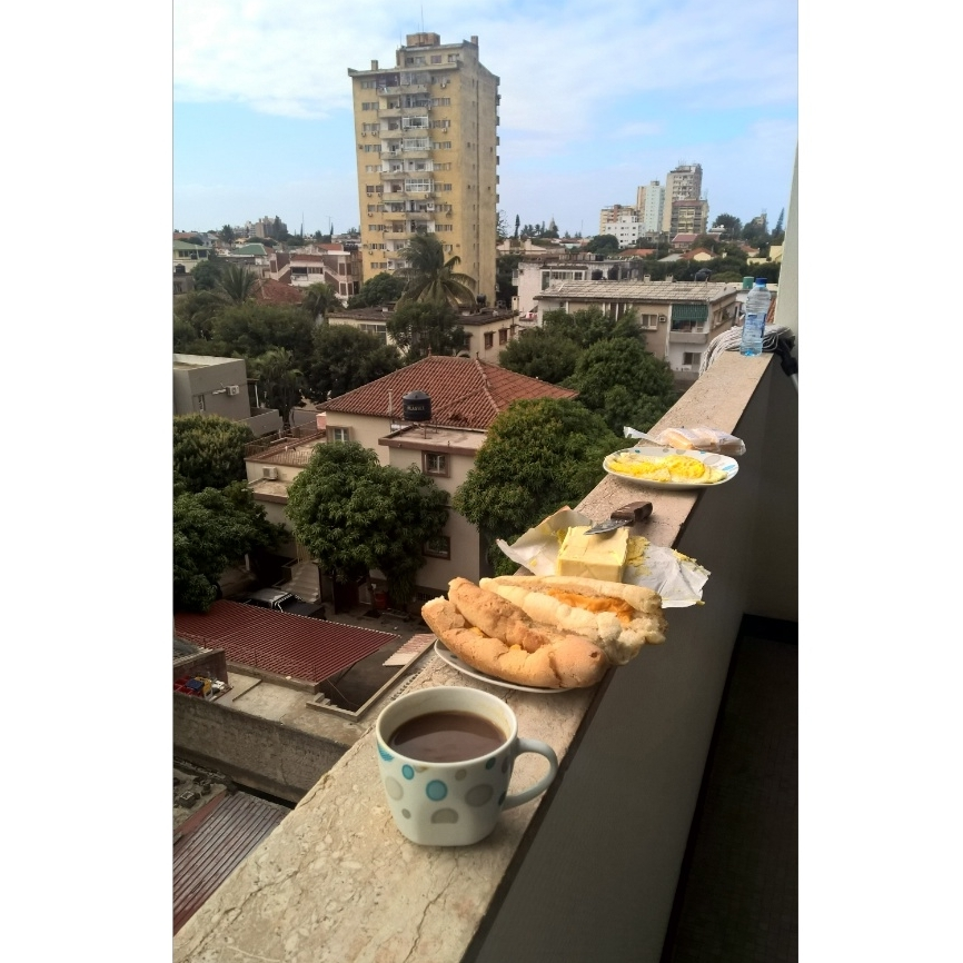 4 DIY breakfast at SELF balcony